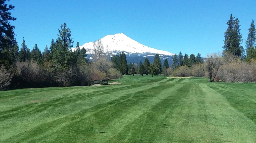 hole 8 fairway with scenic mountain in background
